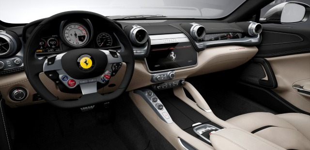 Ferrari GTC4Lusso Kokpit otogundem