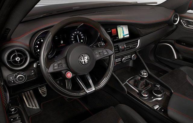 Alfa_Romeo-Giulia_Quadrifoglio-otogundem