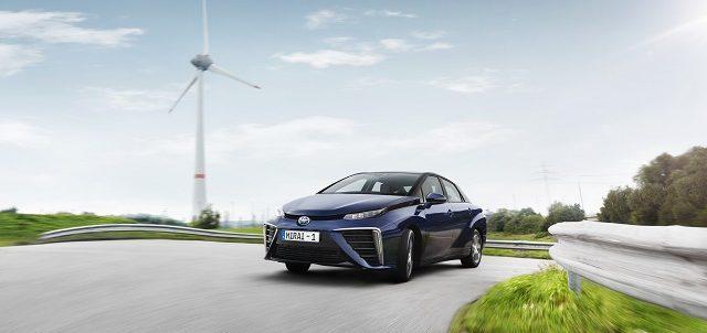 Hidrojen yakit hucreli otomobil Toyota Mirai otogundem